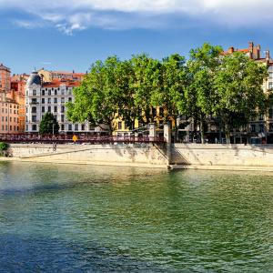 Les quais de Saône côté Croix-Rousse © Marco Saracco / Shutterstock